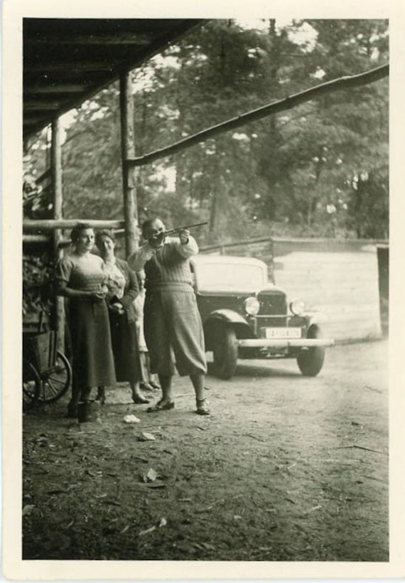 "Vintage Photo ""Shooting the Mailbox"", Photography, Paper Ephemera, Snapshot, Old Photo, Collectibles - 0042"