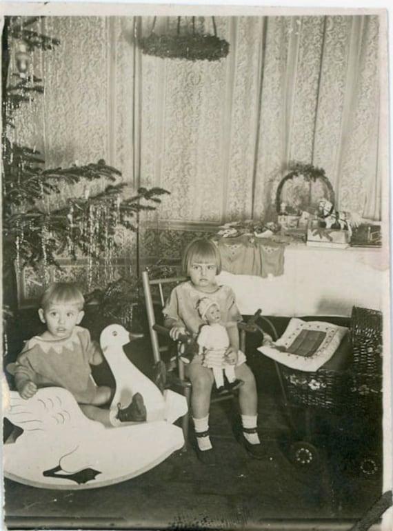 "Vintage Photo ""Christmas Children"", Photography, Paper Ephemera, Snapshot, Old Photo, Collectibles - 0004"