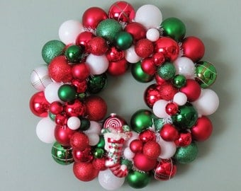Christmas Wreath -RED WHITE GREEN Stocking Ornament Wreath