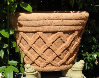 BIRD POT FEET (Set/3) - Ornamental Risers for Planters. Solid Stone Outdoor Accent for Containers Flower Pots.