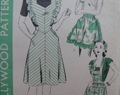 Fabulous Vintage 40's Misses' PINAFORE, BIB And TEA  Apron Pattern Factory Folded