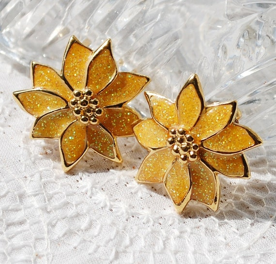 Vintage Christmas Earrings, Poinsettia Flowers, Gold Glitter Enamel, Clip-ons, 1950s 1960s Mid Century Mad Men, Holiday Floral Jewelry