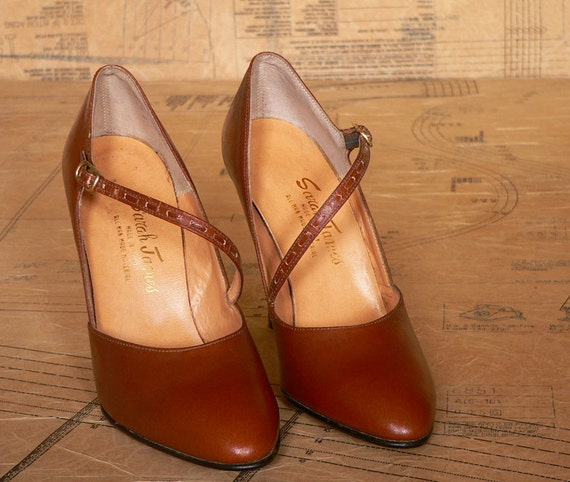 Vintage 1970s Brown Stacked Heels. Mary Jane Shoes. NOS. Size UK 3.5, US 6, Eur 36
