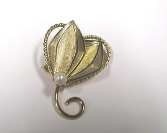 Vintage Heart & Pearl Brooch Pin in Gold tone metal, Wear or repurpose