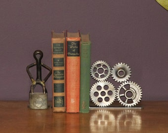 Right-Facing Four Gear Bookend