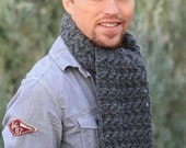 Mens' crocheted wool scarf