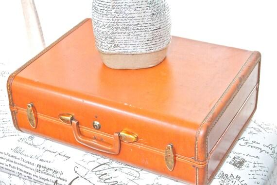 Vintage Leather Samsonite Luggage in Brown Tan Camel Color - SALE (Was 39.00)