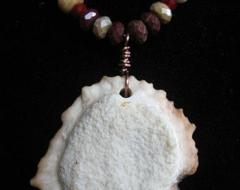 Antler Rosette Jasper Red & Cream Beaded Necklace