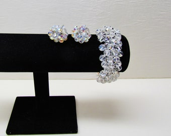 Vintage crystal bead stretch bracelet and earrings, c.1950's jewelry