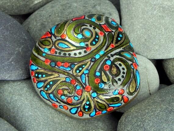 A Happy Earth / Painted Rock / Sandi Pike Foundas / Cape Cod
