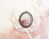 SALE - Vintage lace brooch with pink rose