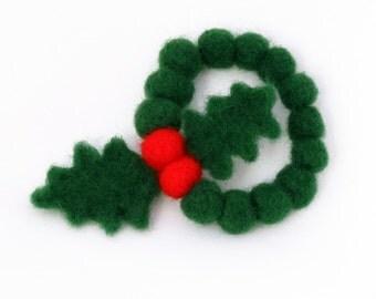Green Christmas Bracelet - Needle felted Christmas Jewelry - felt Holly bracelet