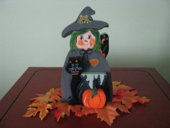 Witch-- Halloween--  caldron-- 3-D-- bat-- crow--shelf sitter