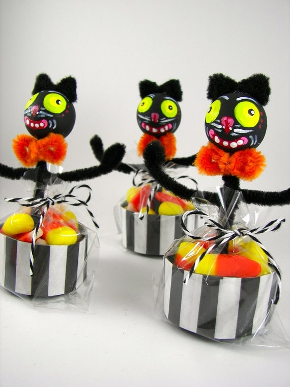 Whimsical Halloween Cats with Candy Corn Treat Cups (3)