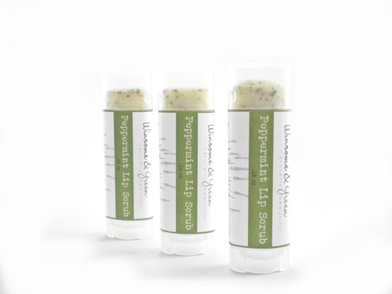 Organic Lip Scrub in Peppermint with Beeswax, Honey, Cane Sugar and Real Peppermint Leaf
