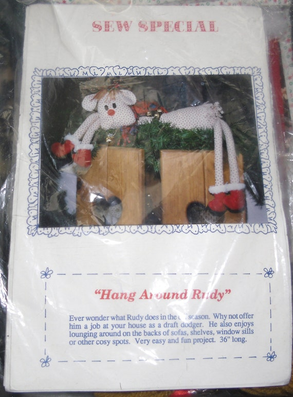 Vintage Christmas Craft Kit - Sew Special Hang Round Rudy 1991