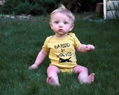 Spring Baby Organic Onesie Unisex Yellow Mustard Raised By Wolves Eco Friendly size 6-12 MONTHS