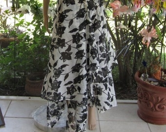 Black and whites tropical sarong perfect for vacation resort holiday clothing