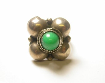 Sterling Silver and Turquoise Ring - Flower Ring - Round Sterling Balls and Turquoise - Size 5 3/4 - Weight 5.2 Grams # 347