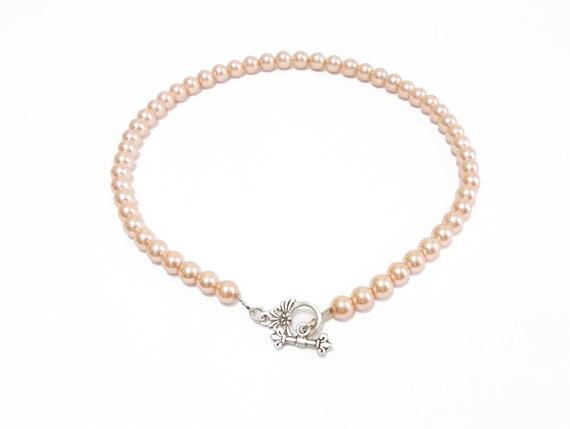 Pearl Necklace, Wedding Bridal Necklace, Sophiticated, Peach Salmon necklace, Bride Pendant