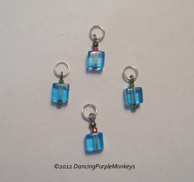 Using Stitch Markers In Lace Knitting : Blue Cube Knitting Stitch Markers set of 4
