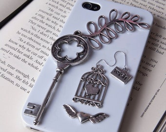 The silver key iphone 4/4s case