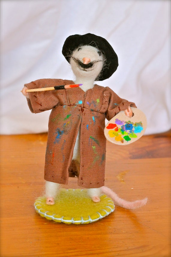 Needle Felted Mouse, posable doll, mouse painting a canvas
