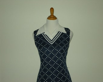 Navy Blue Vintage 1970s Preppy Shift Dress with Constrast Collar