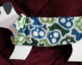 "Fleece Dog Coat, PIrate, Skull & Crossbone xx small (5-6 lbs.) cotton flannel lining. Cozy Warm. 13"" girth"