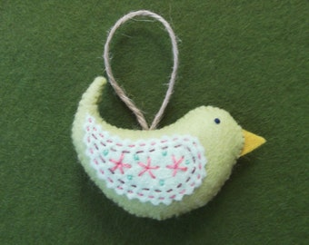 Felt hanging bird - Little Hettie Bird