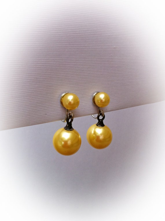 Vintage Dangle Earrings Faux Yellow Pearls