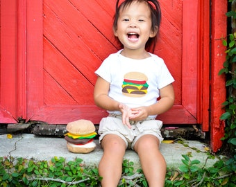 Hamburger Bodysuit, Funny Baby Gift, Foodie Gifts, Burger Shirt, Cheeseburger Onsie, Felt Food, Baby Bodysuit, Baby Boy Clothes