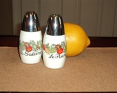 Charming vintage 1980s salt and pepper shakers