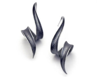 Anticlastic Earrings in Sterling silver - Soft Black Bolts