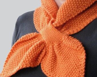 Textured Knit Keyhole Scarf Pattern - MOSS STITCH Keyhole Scarflette Knitting Pattern PDF - Digital Download
