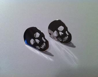 Skull stud earrings 925 silver, silver earrings, silver studs.