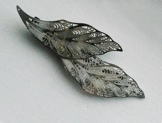 Leaf Hair Clip - Sticky Grip - Silver Tone