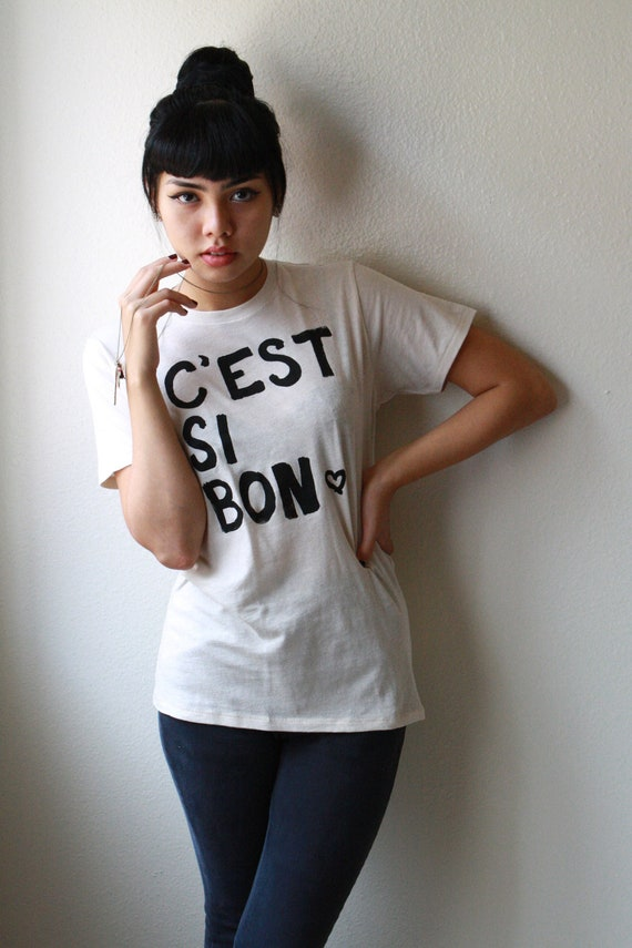 """French Quote SMALL Organic T-Shirt Unisex. """"C'est Si Bon"""" in Natural"""