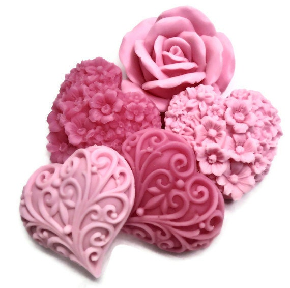 Decorative Gift Soaps - Shades of Pink Soaps - Pink Hearts & Flowers - Gift Set of 10 Soaps