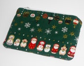 Medium Zippered Kawaii Pouch / Gift Card Holder (Christmas in the Kremlin) --- Green (Camera / Cell Case / Gadget Protector)
