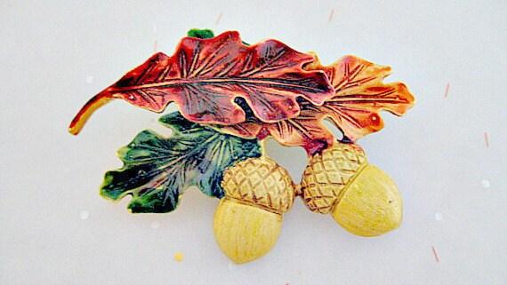 Acorn and Oak Leaf Brooch - Signed Tara - Vintage 1980s Fall Fashion Costume Jewelry