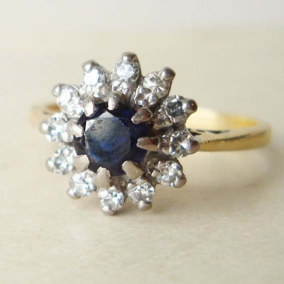 Vintage Sapphire Ring, Engagement Ring, Diamond Ring, 18k Gold Diamond & Sapphire Flower Ring Size Approx. US 7.5 / 7.75