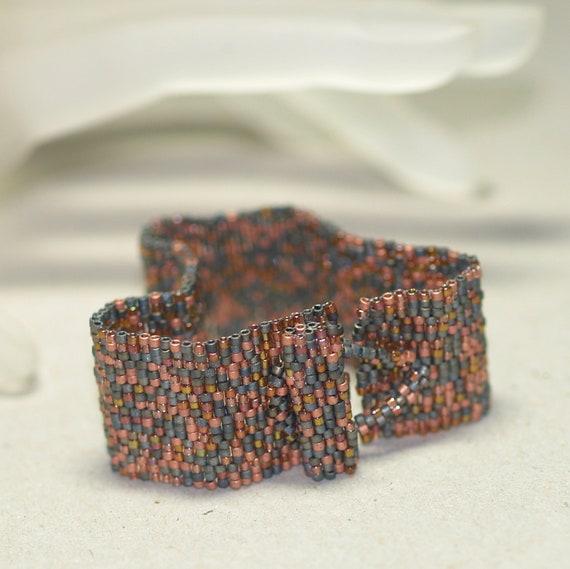 Rusty Band ... Handmade Peyote Bracelet . Beadwoven Cuff . Unisex . Carbon Steel . Matte Copper . Simple . Modern . Faux Patina