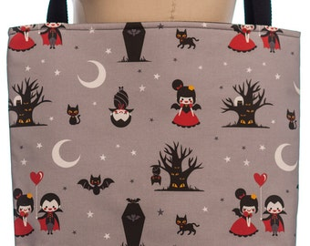 Dracula in Love Tote Bag