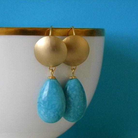 Vintage Glass Turquoise Teardrops Gold Disc Earrings