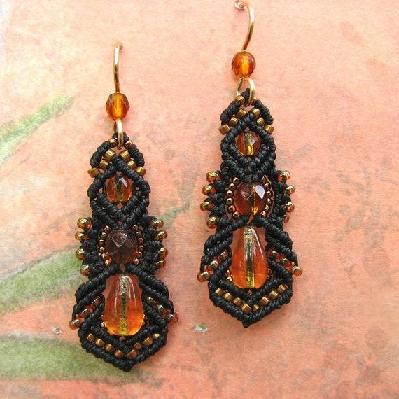 Beaded Macrame Earrings - Micro Macrame Beading- Beaded Earrings - black and gold - Kera style