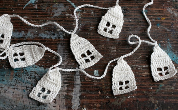 Crochet Garland - Wall Hanging - houses - houses garland - bleached white
