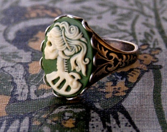Skeleton Lady Cameo Ring- Green and Silver
