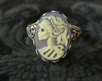 Skeleton Lady Cameo Ring- Grey and Silver