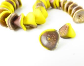 10mm x 12mm Sunflower Yellow Two-Tone 3-Petal Czech Glass Bell Flower - 25 Pieces - LCAM93110